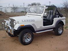 White CJ-7 Laredo