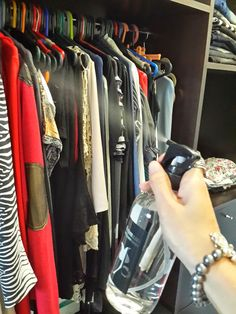 Te dejamos los mejores tips para que perfumes tu ropa y que siempre huela a nueva!!