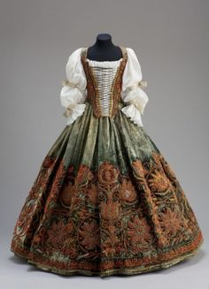 Skirt and bodice - presumably from the wardrobe of Orsolya Esterházy - mid 17th century Place of production: Italy - Hungary