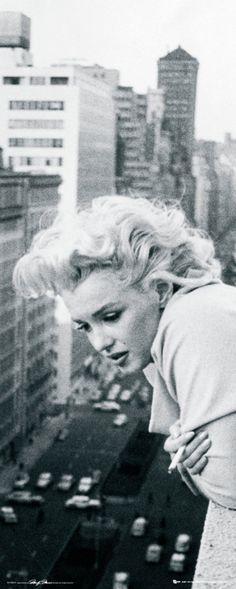 """""""Estou descobrindo que sinceridade e (-t-e-n-t-a-r-) ser (-t-ã-o-) simples ou direta quanto [ possível ] como gostaria é geralmente considerado pura ESTUPIDEZ mas já que não é um mundo sincero – é muito provável que ser sincera seja estúpido"""". ---Marilyn Monroe--- http://exame.abril.com.br/estilo-de-vida/entretenimento/noticias/10-frases-e-versos-que-mostram-o-lado-poetiza-de-marilyn-monroe?page=2"""