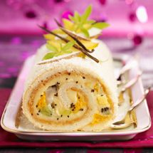 This yummy fruit log cake combines orange segments, kiwi fruit and diced pineapple with a beautiful crème patisserie, desiccated coconut and apricot jam. Jelly Roll Cake, The Joy Of Baking, Cake Recipes, Dessert Recipes, Tesco Real Food, Log Cake, Food Log, Köstliche Desserts, Food Cakes