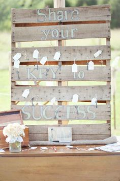 20 Unique Graduation Party Ideas - High School and College Graduation Party Deco. Graduation Open Houses, College Graduation Parties, Graduation Celebration, Grad Parties, Outdoor Graduation Parties, Wedding Advice, Diy Wedding, Wedding Ideas, Rustic Wedding
