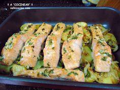 Salmón al horno con patatas panadera