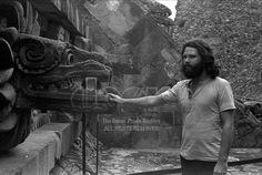 Jim Morrison Templo Asteca, em Teotihuacan. The Doors no México.