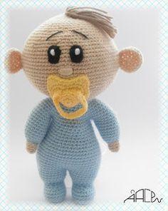 Amigurumi Bebe Azul con Chupete - Patrón Gratis en Español Free Crochet Bag, Love Crochet, Crochet Gifts, Beautiful Crochet, Diy Crochet, Crochet Baby, Crochet Animal Patterns, Stuffed Animal Patterns, Crochet Animals