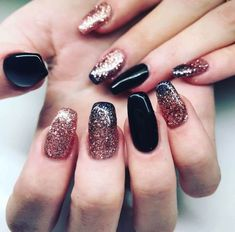 Ombre glitter nails are going to be a hit this season! #nailart #springnails #glitternails