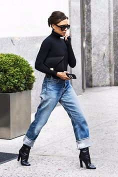 38 Chic Looks From Victoria Beckham - Fashion Style Mag