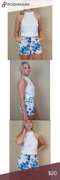HP 🎉🎊 Floral Print Shorts A lightweight printed short. Hidden side zipper. 100% polyester Boutique Shorts