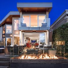 A spectacular waterfront residence in West Vancouver. Listed with: D. Luxury Estate, Luxury Life, Luxury Homes, Modern Homes For Sale, Real Estate Buyers, Waterfront Homes, Home Buying, Condo, New Homes