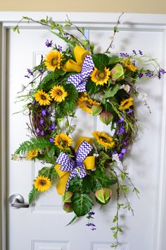 sunflower wreath from Trees n Trends
