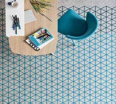 CALLIGARIS | The Apotema cotton chenille rug is decorated with a vibrant blue design. Available in two sizes. #italianfurniture #italiandesign