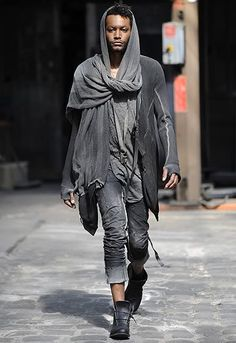 Dadoejos Male Fashion 2 - Matches to the color of barcalite (to  hide dust). Long pants and high boots