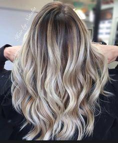 Balayage. #balayage #blondebalayage #denver #balayagedenver #balayagedandpainted #denverhair #denverhairsalon #denverhairstylist #denverhaircolor #olaplex #paintedhair #balayageartists #mastersofbalayage #thehospii #denverfashion #denverart (at Hair...