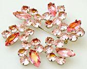 Atomic Wreath Flower Brooch Light Pink Resin Rhinestone