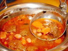 Babgulyás recept bográcsban recept lépés 13 foto Thai Red Curry, Cooking Recipes, Ethnic Recipes, Foods, Drinks, Hungarian Recipes, Food Food, Drinking, Beverages