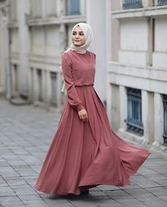 Abaya Style 170644273365623437 - Atalaraleyna Source by NoneIna Abaya Fashion, Modest Fashion, Fashion Clothes, Fashion Dresses, Dress Outfits, Modest Dresses, Simple Dresses, Hijab Dress Party, Muslim Women Fashion