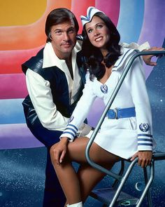 Gil Gerard and Erin Gray Buck Rogers Erin Gray, Sci Fi Tv Shows, Old Tv Shows, Frank Miller, Sci Fi Movies, Movie Tv, Movie Theater, Buck Rodgers, Kampfstern Galactica