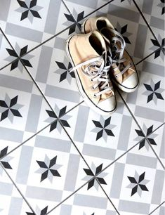 Stoneware tile effect tile cement 1900 Calvet gray, - wkitch Tub Tile, Bathroom Floor Tiles, Tile Floor, Hall Tiles, Tiled Hallway, Hall Flooring, Feature Tiles, Home Trends, Tile Patterns