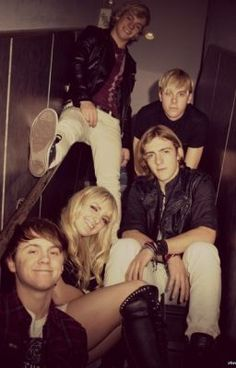Truth or Dare- an R5 vampire fanfic