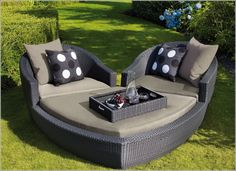 Heart Shaped Lounge Set for Your Garden!
