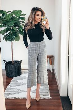 Sophisticated Work Attire and Office Outfits for Women Office Outfits Women Casual, Work Casual, Black Outfits, Chic Office Outfit, Casual Fall, Cute Work Outfits, Office Fashion Women, Summer Business Casual Outfits, Business Casual For Women