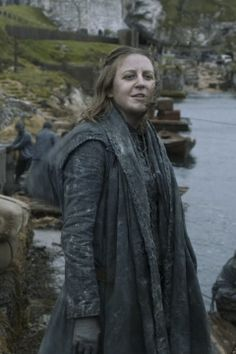 "Yara Greyjoy, front 3/4 of cloak, from Season 2, episode 5, ""The Ghosts of Harrenhal"""