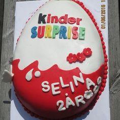 Kinder surprise cake