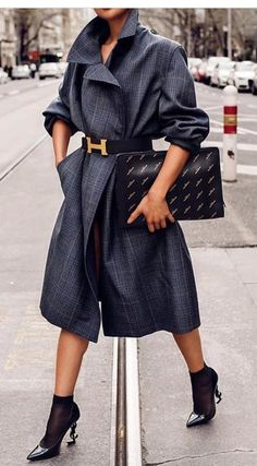 The Best Street Style Inspiration & More Details That Make the Difference Mode Outfits, Fall Outfits, Fashion Outfits, Womens Fashion, Fashion Trends, Mode Chic, Mode Style, Look Fashion, Winter Fashion