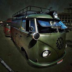 A collection to celebrate the classic rear-engine type Volkswagen Kombi van Vw T1 Camper, Vw Caravan, Vw Kombi Van, Volkswagen Transporter, Volkswagen Bus, German Look, Vw Variant, Combi T1, Combi Split