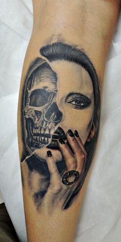 Skull and Woman ilario tatuagem caveira realismo preto e cinza black in gray