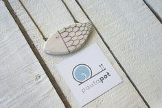 Collana/Pendant Pesce/Fish in ceramica realizzata a mano di PautaPot #Etsy #handmade #ceramic