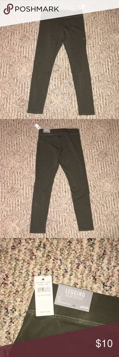 Leggings Aerie Leggings. Small Short. Olive Green. Never Worn with Tags Still Attached. 92% Cotton & 8% Spandex. aerie Pants Leggings