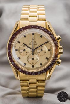 Gold Omega Speedmaster Professional Apollo XI 1969 BA145.022