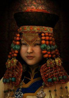 China | Mongolian girl living in Erduos. | ©Xiao Qi Young