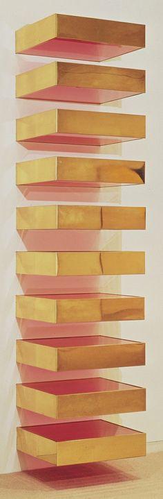 Man könnte doch mit Korallenfarbe und Goldspray/Goldblättern IKEAs Lack-Wandtablar aufmotzen und wie diese Ablagen an der Wand montieren. N...
