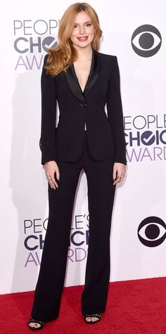 Simple & Sophisticated. Bella Thorne in Armani on the #peopleschoiceawards red carpet