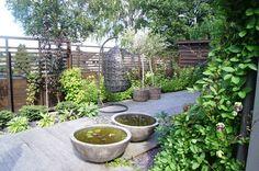 Lettstelt oase. Finn Schøll sin egen hage. Dream Garden, Garden Art, Garden Inspiration, Outdoor Decor, Outdoor Ideas, Planters, Patio, Modern, Cottage Ideas