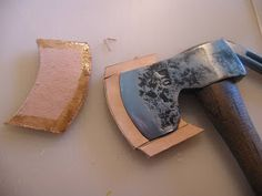 Since getting involved in refurbishing and restoring old axes, I have noticed that most don't have sheaths. I am not a fan of putting a razo...