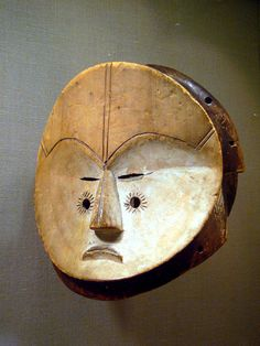 Wood, pigment, kaolin Gabon, Fang peoples 19th-20th century Metropolitan Museum of Art NYC