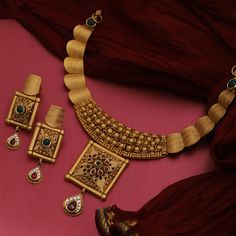 Get In Touch With us on Gold Bangles Design, Gold Earrings Designs, Gold Jewellery Design, Indian Gold Necklace Designs, Real Gold Jewelry, Gold Jewelry Simple, Indian Jewelry, Antique Jewellery Designs, Antique Jewelry
