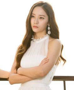 Krystal Jessica & Krystal, Krystal Jung, Jessica Jung, Yoona, Girl Crushes, Pretty Girls, Camisole Top, Flower Girl Dresses, Singer