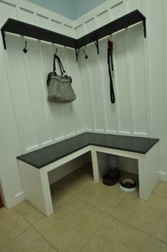 Mudroom Bench Tutorial.  Great for those corner spaces!