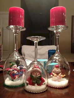 54 Fabulous Christmas Decoration Ideas For Small House - Dekoration - Natal 50 Diy Christmas Decorations, Christmas Centerpieces, Holiday Crafts, Christmas Ornaments, House Decorations, Christmas Decorating Ideas, Christmas Decorations Apartment Small Spaces, Wine Glass Centerpieces, Snow Decorations
