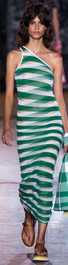 #Farbbberatung #Stilberatung #Farbenreich mit www.farben-reich.com Stella McCartney Spring 2016