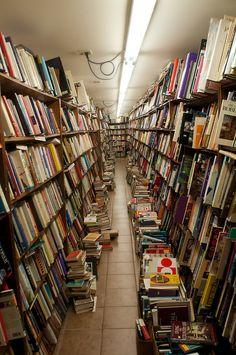 Von's Bookstore, West Lafayette. Von's by Danny the Smith, via Flickr