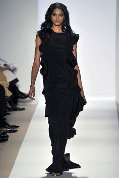 See the complete Dennis Basso Fall 2009 Ready-to-Wear collection.