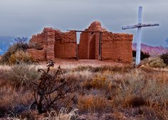 Abiquiu, New Mexico http://upload.wikimedia.org/wikipedia/commons/3/36/Santa_Rosa_de_Lima_de_Abiquiu,_NM.jpg