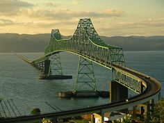 Astoria-Megler Bridge spans about 4 miles across the mouth of the Columbia River, connecting the states of Oregon and Washington, USA State Of Oregon, Oregon Coast, Wa State, Oregon Usa, Places To Travel, Places To See, Scary Bridges, Astoria Oregon, Mackinac Bridge
