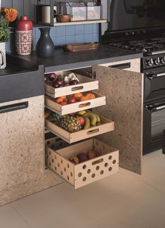 Rangement cuisine : ranger malin avec astuces bien pensées Kitchen storage: smart storage with thoughtful tips – House side Interior Styling, Interior Design, Smart Storage, Well Thought Out, House Windows, Kitchen Storage, Smart Kitchen, Decorating Tips, Home Furnishings