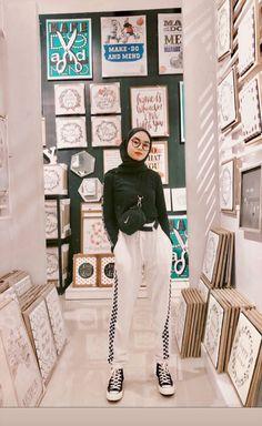 Modest Fashion Hijab, Casual Hijab Outfit, Ootd Hijab, Hijab Chic, Teen Fashion Outfits, Hijab Fashion Inspiration, Teenager Outfits, Hijab Styles, Hijab Ideas